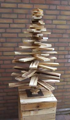 houten-kerstboom-100-cm-pilaar-70cm