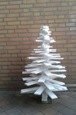 houten-kerstboom-100cm-gelakt